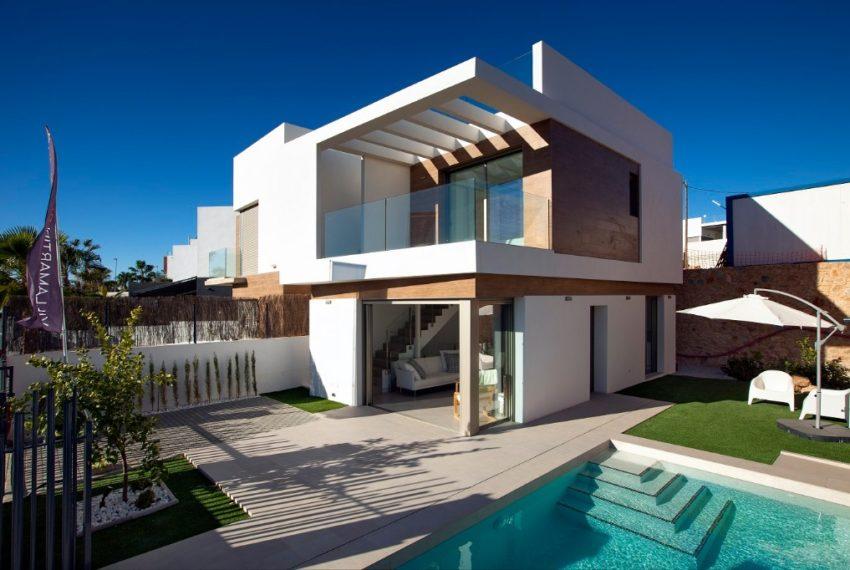 Villas jumelées de 3 chambres et 3 salles de bains,, piscine privée et solarium inclus, dans la zone de Villamartin, Orihuela Costa.