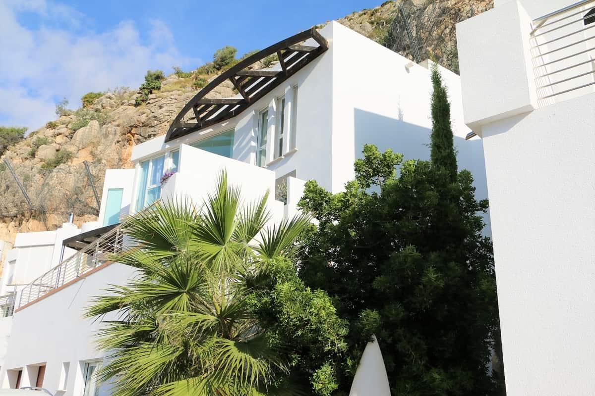 Magnifique vue d'une villa à Altea avec un jaccuzzi