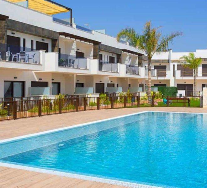 Charmantes maisons duplex à vendre à Dolores de Pacheco, Costa Calida, Espagne