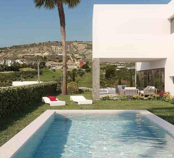 Vue sur le terrain de golf La Finca depuis une villa à vendre