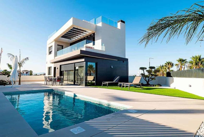 Maison neuve à vendre dans le Golf La Finca à Algorfa en Espagne